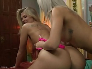 Tiffany Watson makes Scarlet Reds pussy warm and wet