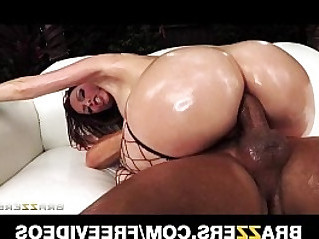 Big booty babe courtney cummz is oiled up for some rough anal