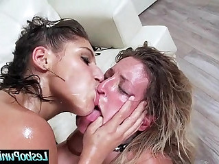 abella kissa Hot And Mean Lesbians Play with Hard Punish Sex Action On Cam vid