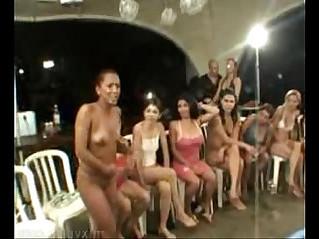 piss contest